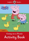 Peppa Pig: Going on a Picnic Activity Book